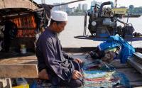 Melihat Kehidupan Nelayan Muslim di Sungai Mekong Kamboja