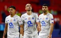 Wajah Sedih Pemain Porto Usai Tersingkir dari Liga Champions