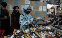 Pembagian Takjil Menggunakan Piring di Masjid Jogokariyan Diganti dengan Nasi Kotak