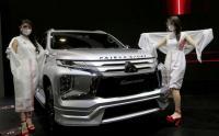 Meski Pakai Masker, SPG IIMS Hybrid 2021 Tetap Pancarkan Pesona Kecantikannya
