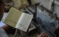 Melihat Proses Percetakan Al Quran Braile di Jawa Barat