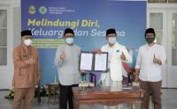 Ridwan Kamil Lakukan Mou Pengadaan Apartemen Ayam untuk Petani Milenial