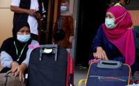 Gubernur Khofifah Tinjau Kondisi Pekerja Migran Indonesia di Lokasi Karantina