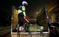 Truk Sayur Bawa Pemudik Disetop Polisi