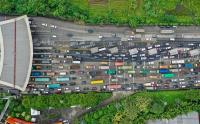 Imbas Penyekatan, Ribuan Kendaraan Terjebak Kemacetan hingga 8 Km di Tol Cikupa