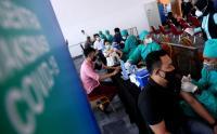 Ribuan Pelaku UMKM dan Karyawan Mall Divaksin AstraZeneca