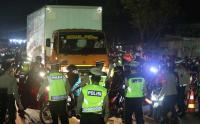 Ribuan Pemudik Sepeda Motor Terhadang Penyekatan di Bekasi