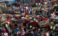 Sehari Jelang Lebaran, Pasar Minggu Dipadati Pengunjung