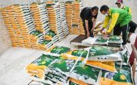 H-1 Lebaran, Masjid Istiqlal Salurkan Zakat Fitrah kepada Warga yang Membutuhkan