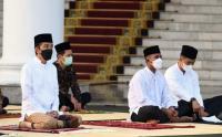 Presiden Jokowi dan Iriana Sholat Idul Fitri di Istana Bogor