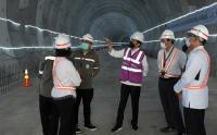 Presiden Jokowi Tinjau Proyek Kereta Cepat Jakarta-Bandung di Bekasi