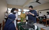 Menteri Erick Melihat Kegiatan Belajar Siswa SLB di Tasikmalaya