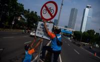 Plang Rambu Sepeda di Jalan Layang Non Tol Casablanca Dicopot