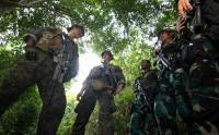 Asah Naluri Tempur, Pasukan Elite Indonesia-Amerika Terjun ke Hutan Tumpang Pitu