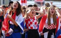 Suporter Cantik Kroasia Kecewa Gara-Gara Raheem Sterling