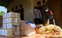Pemkab Madiun Salurkan Bantuan Sembako untuk Warga Terpapar Covid-19 di Desa Bantengan
