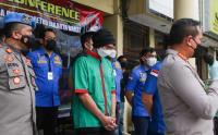 Tangan Diborgol, Anji Dihadirkan di Polres Jakarta Barat