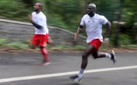 Melihat Latihan Ketahanan Fisik Pemain Persik Kediri Berlari di Gunung Klotok