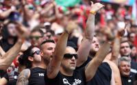 Fans Timnas Hungaria Acungkan Jari Tengah ke Arah Lapangan