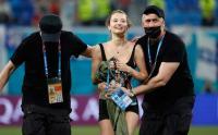 Penonton Seksi Masuk Lapangan Ganggu Konsentrasi Pemain Finlandia dan Belgia