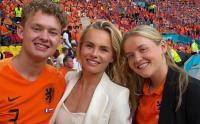 WAGs Cantik Pemain Timnas Belanda yang Selalu Datang ke Stadion