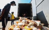 Bantuan Beras Pemprov DKI Jakarta Mulai Dibagikan