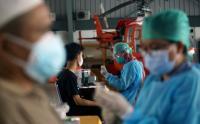 Vaksinasi Massal di Pangkalan Udara Pondok Cabe