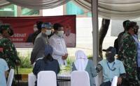 Ridwan Kamil Dampingi Panglima TNI dan Kapolri Tinjau Vaksinasi Massal Buruh