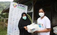 Berbagi Sesama, MNC Peduli Salurkan Sembako ke Warga Kampung Cisadon Kabupaten Bogor