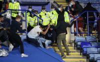 Suporter Leicester Bentrok dengan Suporter Napoli di King Power Stadium