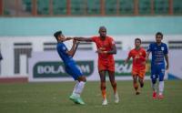 Keributan Terjadi di Liga 1, Pemain Persiraja Dorong Pemain PSIS Semarang Sampai Terjatuh