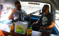 Angkot di Malang Disulap Jadi Studio Podcast