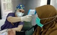 Pemberian Dosis Pertama Vaksin Pfizer Hari Ke-4 di Sentra Vaksinasi MNC Peduli
