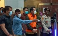 Pakai Baju Tahanan dan Tangan Terborgol, KPK Tahan Azis Syamsuddin