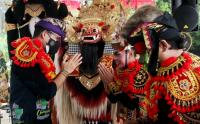 Sapa Penari Barong, Sandiaga Uno Dipanggil Pemimpin Idola Kaum Milenial