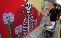 Kampung Tangguh Cikaret Bikin Mural Bahaya Narkoba Sebagai Edukasi Masyarakat