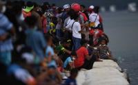 Warga Antusias Nonton Pertandingan Dayung PON Papua