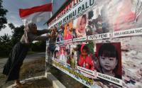 Warga Berdoa untuk Korban Bencana Gempa dan Likuifaksi Palu
