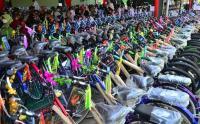 Ditinggal Orang Tua Meninggal karena Covid-19, Ratusan Anak Yatim Dapat Sepeda