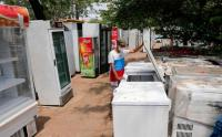 Perbaikan Kulkas Bekas Bisa Kurangi Penambahan Limbah Elektronik