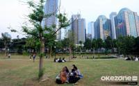 Menikmati Suasana Hutan di Tengah Perkotaan Ibu Kota Jakarta