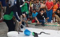Pecinta Reptil Edukasi Warga Pertolongan Pertama Gigitan Ular