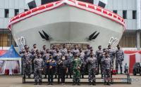 Panglima TNI Bersama Menlu dan Kepala Bappenas Terima Brevet Kehormatan Hidro-Oseanografi TNI AL