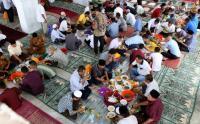 Tradisi Makan Bersama Warga Aceh saat Peringatan Maulid Nabi