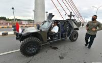 Resmikan Jembatan Sei Alalak Kota Banjarmasin, Presiden Jokowi Naik Mobil Rantis