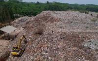 TPA Randukuning Batang Melebihi Kapasitas, Sampahnya Sampai Menggunung
