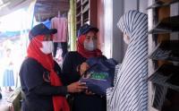 Relawan Kawan Sandiaga Uno Salurkan Sembako untuk Warga Pekanbaru