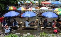 Sangking Bersihnya, Aliran Sungai Dijadikan Tempat Wisata Kuliner