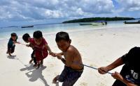Melihat Teknik Menangkap Ikan Wer Warat di Pulau Kei Maluku