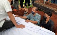 Almarhum Odie Agam Dimakamkan di TPU Menteng Pulo